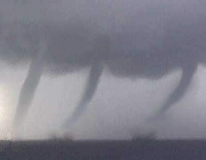 three tornados imagenes increibles+videos